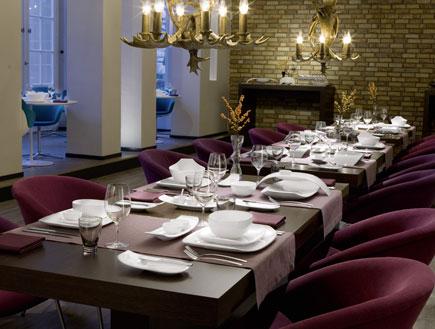שולחן חג יוקרתי של דומו - פסח - עיצוב לחג (צילום: DOMO)