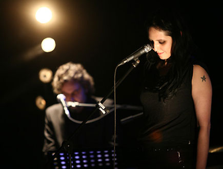 שילה פרבר בהופעה 9 עם דניאל סולומון (צילום: נועה מגר)