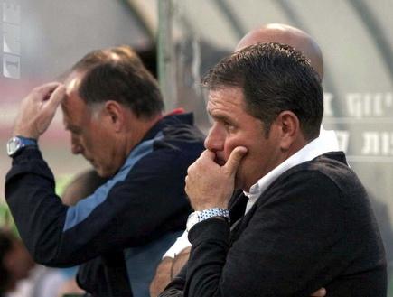 אלי גוטמן לא מרוצה במהלך המשחק (רועי גלדסטון) (צילום: מערכת ONE)