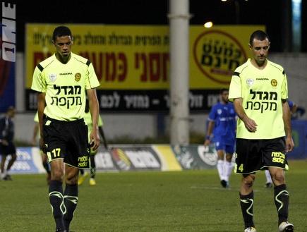 קרופניק ופרנסמן מאוכזבים לאחר המשחק (שי לוי) (צילום: מערכת ONE)