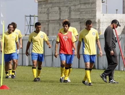 שחקני הפועל עכו הבוקר באימון. חזרו לשגרה (שי לוי) (צילום: מערכת ONE)