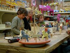 אטרקציות לילדים: סוס ועגלה במושב קדימה (צילום: שירלי אהרון)