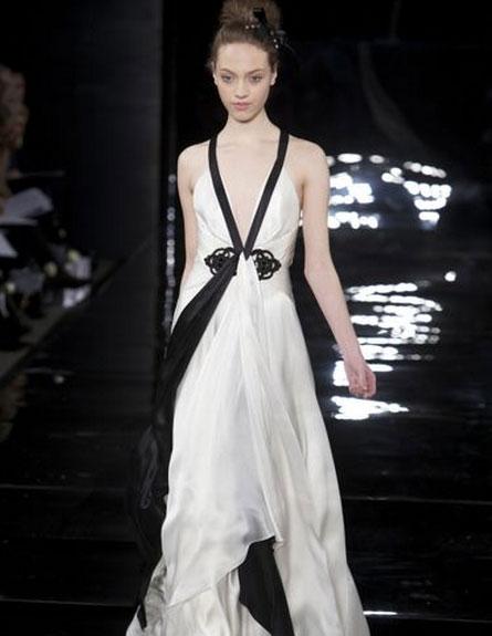 שמלת כלה שחור לבן של ג'ני פקהאם