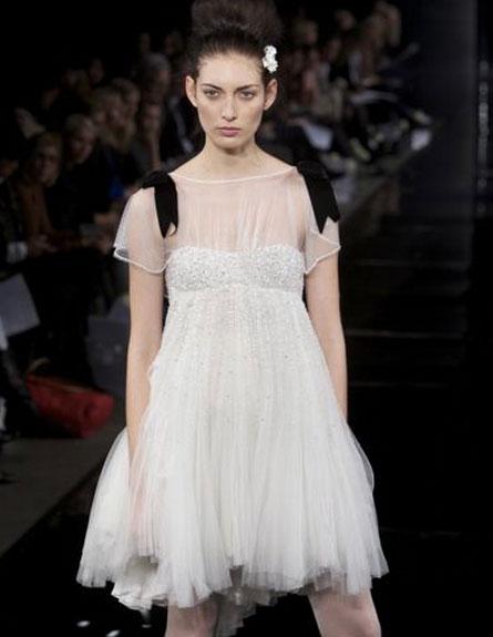שמלת כלה קצרה של ג'ני פקהאם