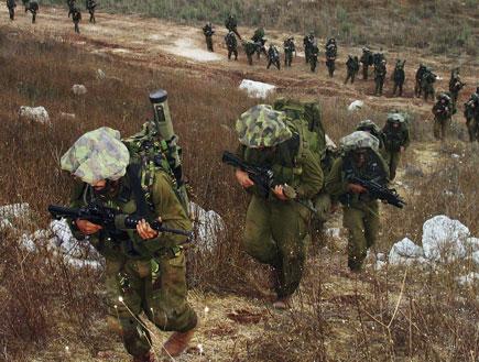 חיילי הנחל צועדים (צילום: אימג'בנק/GettyImages)