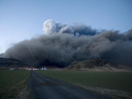 ענן האפר בשמי אירופה. בקרוב אצלנו? (צילום: רוייטרס)