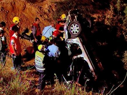 תאונת דרכים בכביש עוקף באר שבע (צילום: חדשות 2)