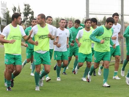 שחקני מכבי חיפה באימון (עמית מצפה) (צילום: מערכת ONE)