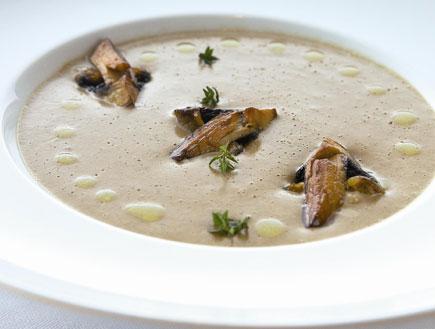 מרק שמנת ופטריות (צילום: אנטולי מיכאלו,  יחסי ציבור )