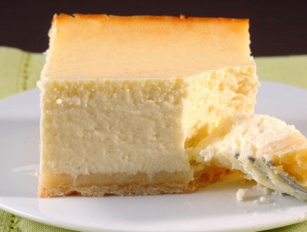 עוגת גבינה ושוקולד לבן (צילום: חגית גורן ,  יחסי ציבור )