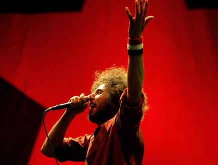 רייג' אגיינסט דה מאשין הופעה (צילום: Doug Pensinger, GettyImages IL)