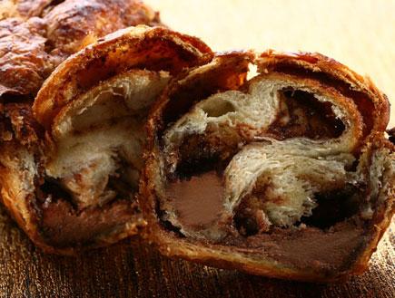 עוגת שמרים במילוי שוקולד בלגי חם (צילום:  יחסי ציבור )