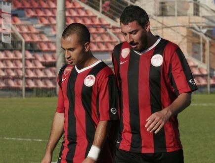 שחקני ירושלים מאוכזבים לאחר הירידה (קובי אליהו) (צילום: מערכת ONE)