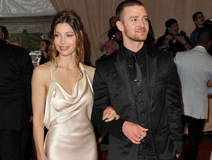 טקס אופנה - ג'סטין טימברלייק וג'סיקה בייל (צילום: Stephen Lovekin, GettyImages IL)