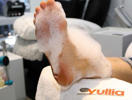 פדיקור השריית הרגליים (צילום: עודד קרני ,mako)