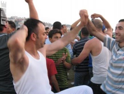 אוהדי אום אל פאחם חוגגים את העליה לליגה הלאומית (הייתם בדראן)