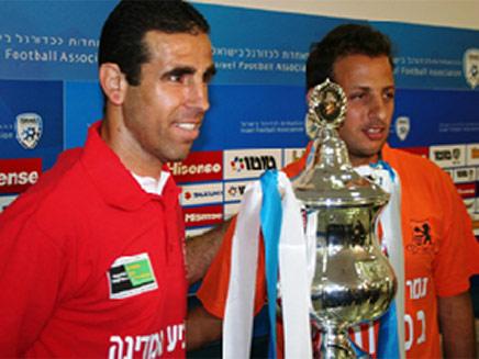 וואליד באדיר ואסי בלדוט, מי יניף את הגביע? (צילום: חדשות 2)