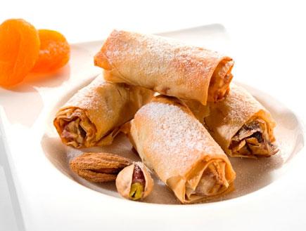 סיגרים מפילו במילוי גבינת עיזים, אגוזים ומשמשים (צילום:  יחסי ציבור )