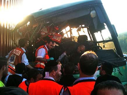 תאונה משאית אוטובוס (צילום: חדשות 2)