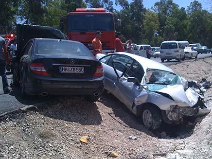 תאונת דרכים בכביש 805 בין שעב לעצמון (צילום: alarab.co.il)