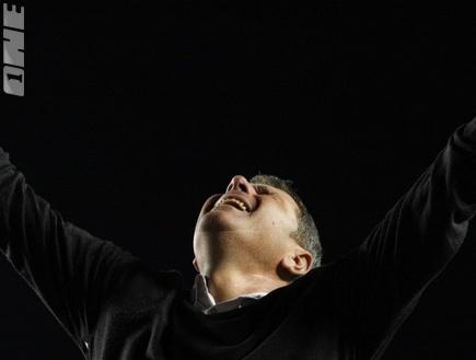 גוטמן בוכה מרוב התרגשות (גיא בן זיו) (צילום: מערכת ONE)