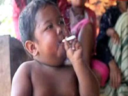 תינוק מעשן (צילום: חדשות 2)