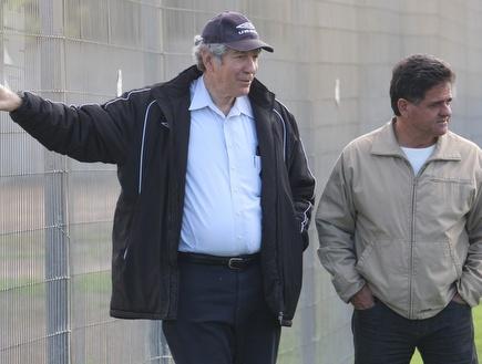 יואב כץ עם אפרים גבאי (עמית מצפה) (צילום: מערכת ONE)