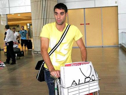 שלומי ארבייטמן היום לאחר הנחיתה בארץ (דרור עינב) (צילום: מערכת ONE)