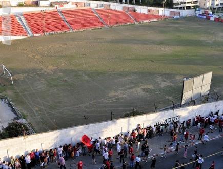 אצטדיון המכתש (אלעד ירקון) (צילום: מערכת ONE)