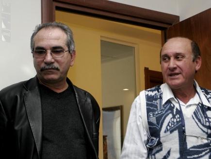 יוסי אלקובי (מימין). רוצה לעזוב (אמיר לוי) (צילום: מערכת ONE)