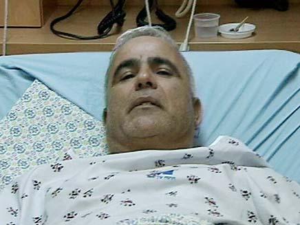 צפו בשוטר הפצוע משחזר ממיטת בית החולים