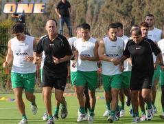 שחקני מכבי חיפה באימון הבכורה (ONE) (צילום: מערכת ONE)