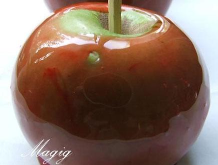 תפוח מצופה קרמל (צילום: MAGIG, פורום המתכונים של תפוז)