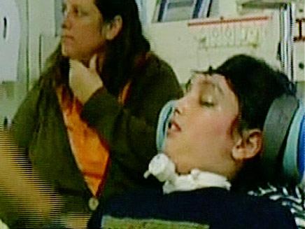 אמיר בלחסן ואמו. ארכיון (צילום: חדשות 2)