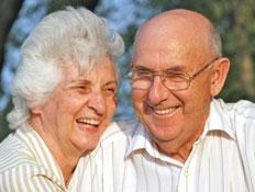 זוג זקנים (צילום: Sean_Warren, Istock)