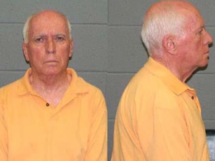 תמונות המעצר של הכומר קווין גריי (צילום: CBS NEWS)