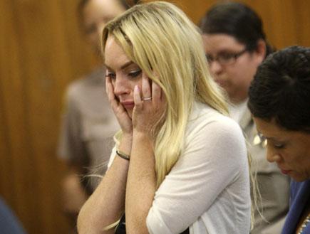 לינדזי לוהן בבית המשפט (צילום: רויטרס)