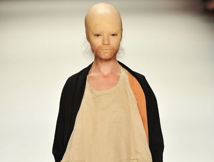 תצוגת אופנה של פטריק מור - ברלין 2010 (צילום: Gareth Cattermole, GettyImages IL)