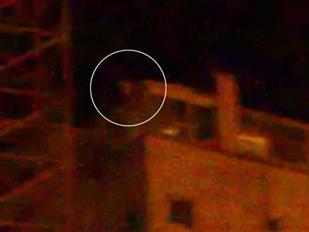 סטבון על גג הבניין, הלילה בירושלים (צילום: יוסי זילברמן, חדשות 2)