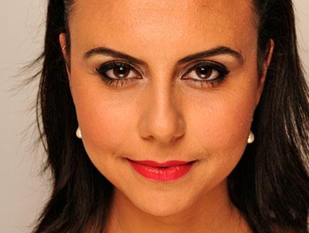 מראה מרלין מונרו - שפתון אדום (צילום: mako)