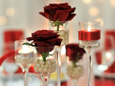 סידור פרחים אדום