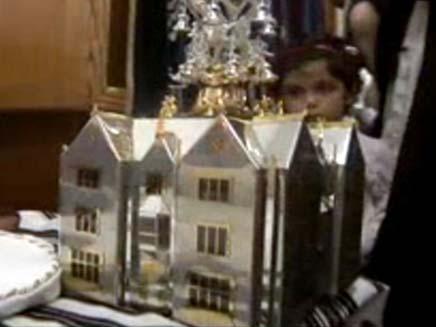 צפו בכתר היקר בעולם (צילום: חדשות 2)