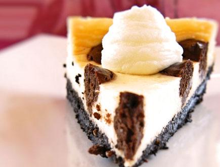 עוגת גבינה מנוקדת - פרוסה (צילום: דליה מאיר, קסמים מתוקים)
