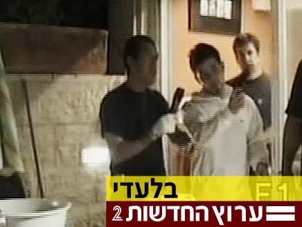 צפו בשחזור הרצח (צילום: חדשות 2)