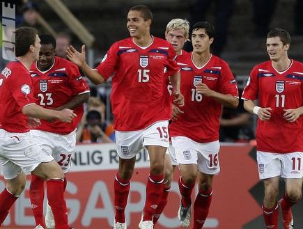 נבחרת אנגליה עד גיל 21, רודוול במרכז (רויטרס) (צילום: מערכת ONE)