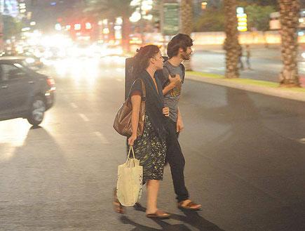 שי גבסו והחברה מטיילים (צילום: אלעד דיין)