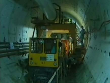 הצצה ראשונה למכונות הענק (צילום: חדשות 2)