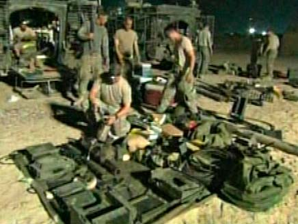 החיילים האמריקניים נערכים לנסיגה מעירק (צילום: רויטרס)