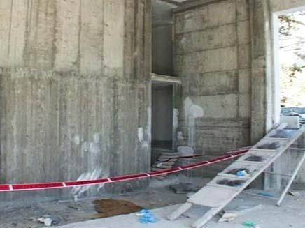 אתר הבנייה בו נהרג הפועל (צילום: חדשות 2)