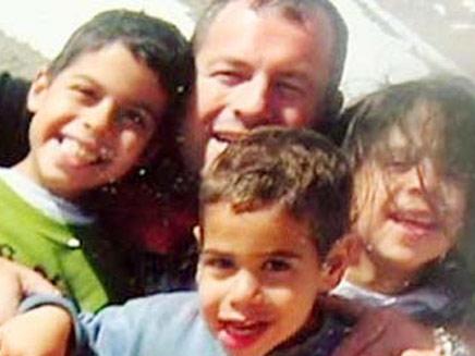 האב הרוצח ושלושת ילדיו (צילום: חדשות 2)